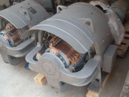 генератор постоянного тока 2ГПЭ13-14/2 и генератор нового образца 4ГПЭМ-135 (привод поворот-хода) для карьерного экскаватора ЭКГ-5 ЭКГ-5А